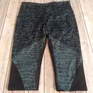 NWOT Champion Capris With Pockets